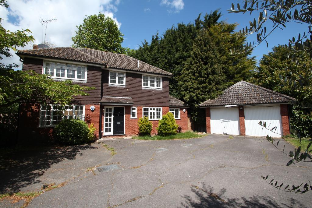 Montagu Road, Datchet, Berkshire, SL3 9DX