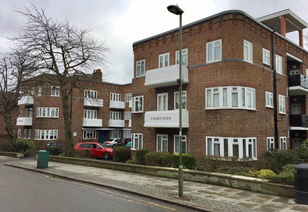 Courtleigh, Bridge Lane, Temple Fortune, London, NW11 0EB